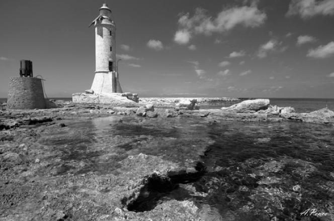 Faro dello scoglio d' Africa (Mar Tirreno)